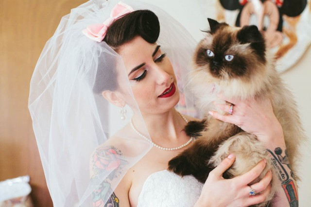 14 things all cat lovers need at their wedding rock n roll bride alternativeweddingstephaniekaloiphotography 30 junglespirit Images