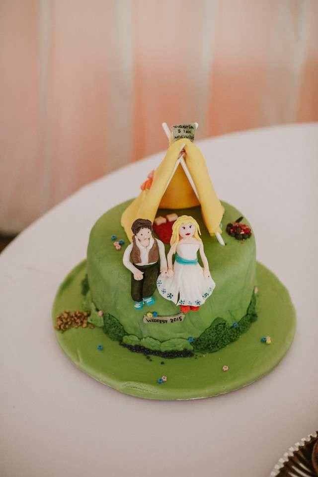 Glastonbury Festival Inspired Wedding · Rock n Roll Bride