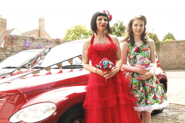 colourful pin up wedding (20)