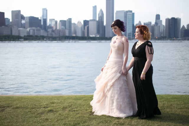 vintage travel themed lesbian wedding (20)