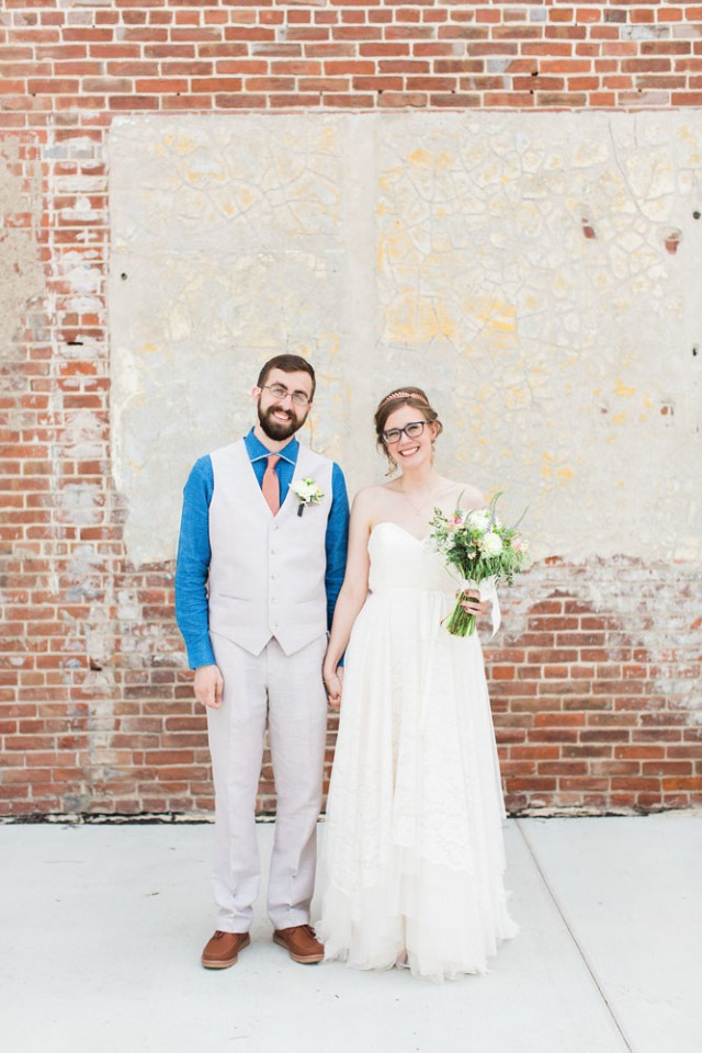 creative and joyful iowa wedding (6)