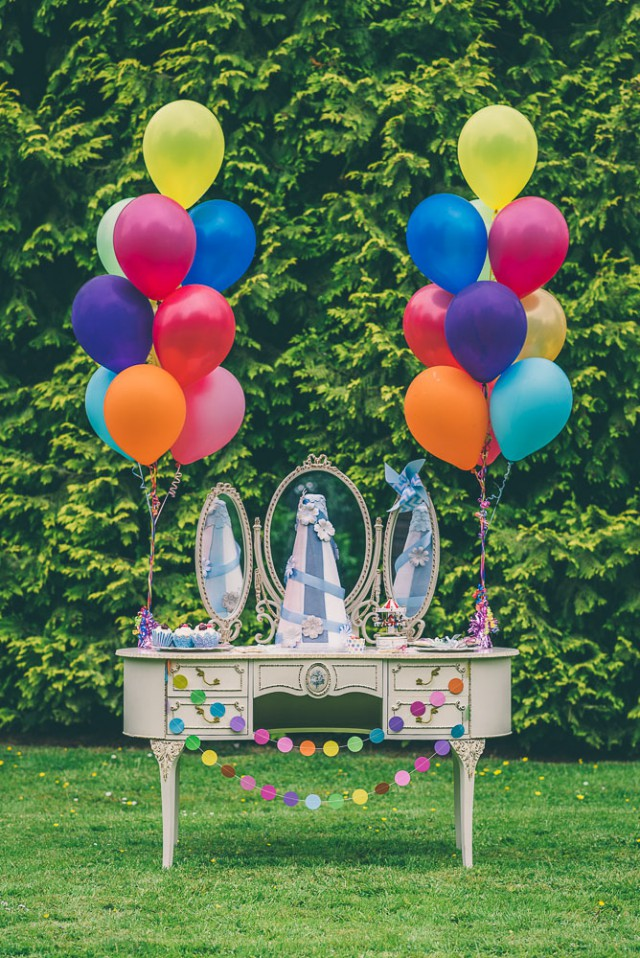 Colourful Carnival Inspired Wedding Ideas (34)
