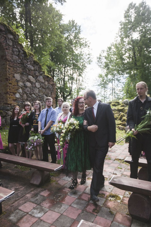 Green & Black Latvian Forest Wedding with a Hint of Tolkien (6)
