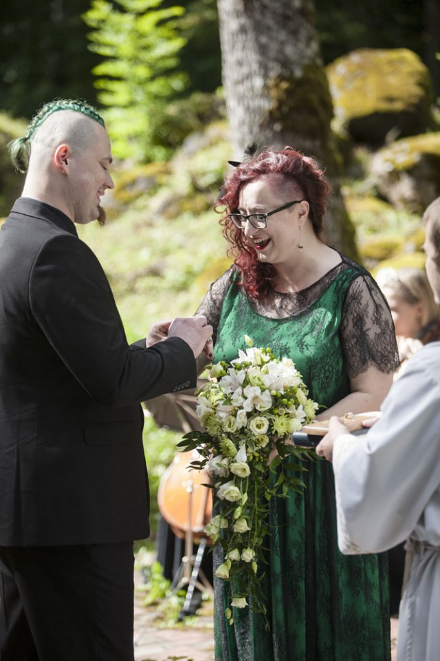 Green & Black Latvian Forest Wedding with a Hint of Tolkien (8)