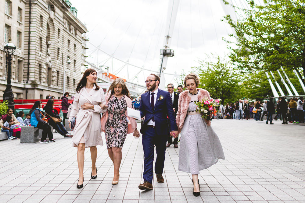 intimate wedding with a ride on the london eye 183 rock n