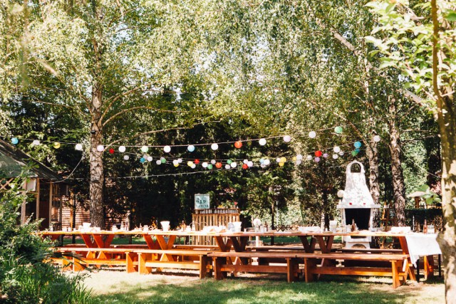 intimate camping wedding in hungary (23)