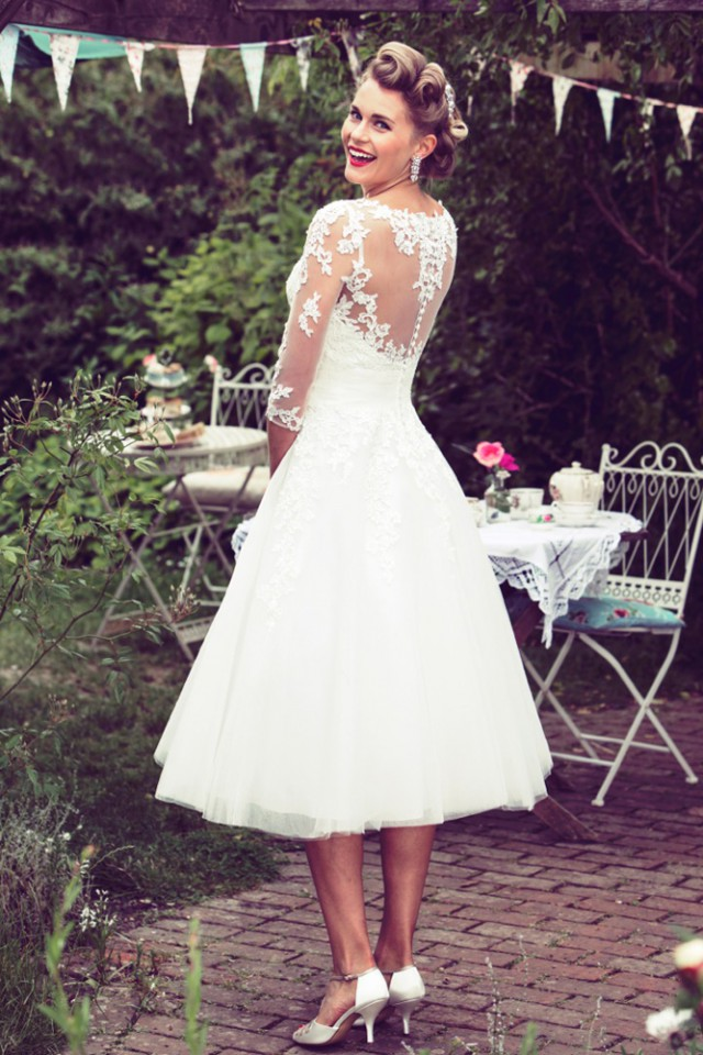 Win a 1950s inspired wedding dress from true bride rock for What is the best wedding dress for short brides