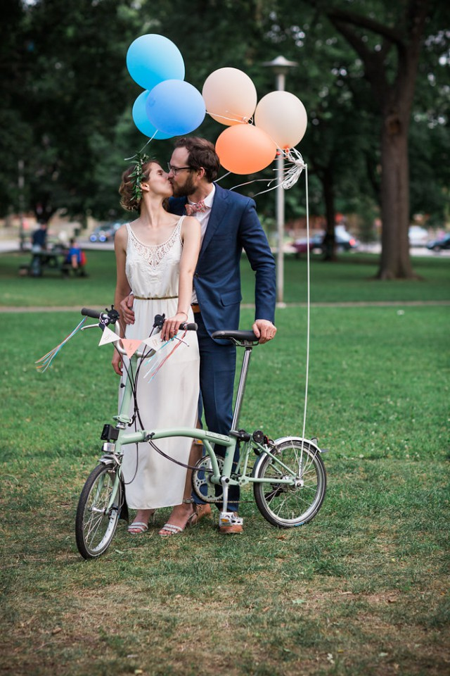 Bike parade wedding in Toronto (39)