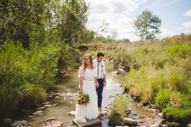 Hip Southwest-Meets-Midwest Outdoor Wedding (18)