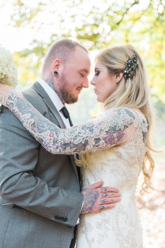 Glamorous Autumn Wedding with a Tattooed Bride and Groom (25)