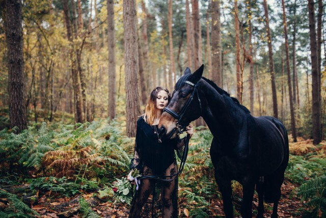 Gothic Bridal Shoot_Jess Yarwood Photography11
