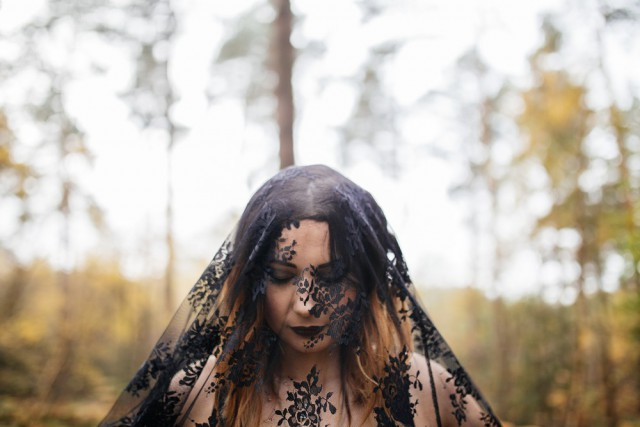 Gothic Bridal Shoot_Jess Yarwood Photography15