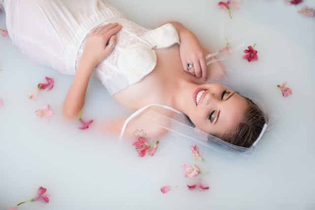 bridal-nerdy-milk-bath-boudoir-photos-melissamullinsportraits-15
