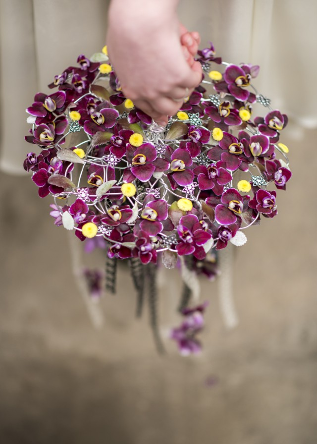 How to Use Flowers to Add Personality to Your Wedding (17)