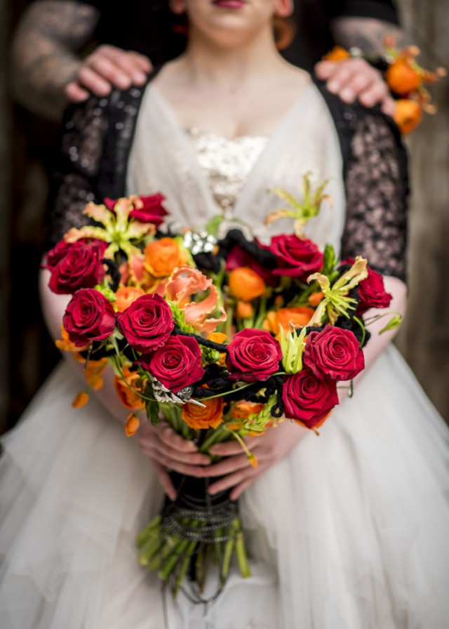How to Use Flowers to Add Personality to Your Wedding biker shoot (18)
