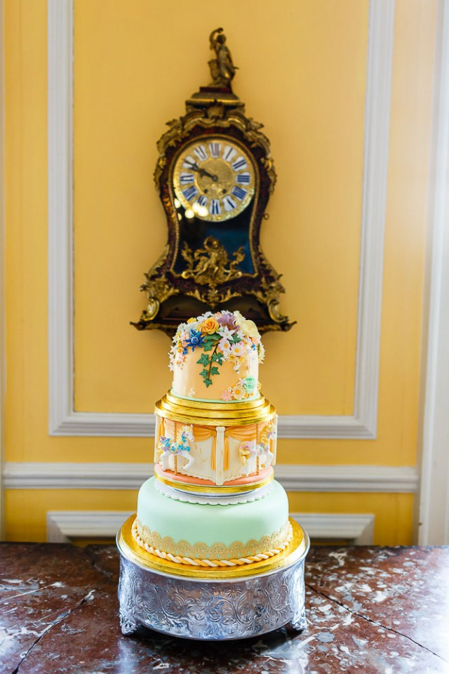 Kitsch & Colourful Scottish Wedding (23)