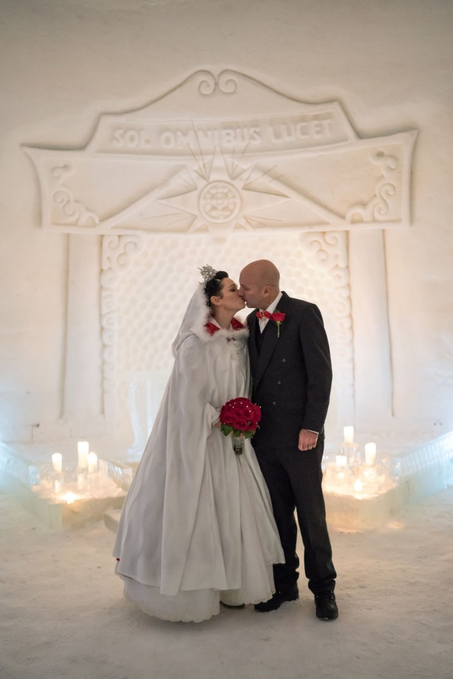 Lapland Wedding in an Ice Chapel (18)