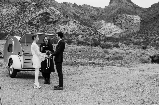 Smoke Bomb Elopement in Nevada (10)