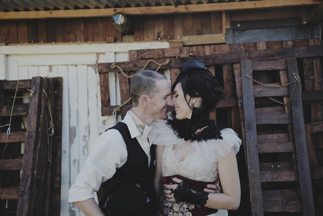 Steampunkwedding_Figureof8060