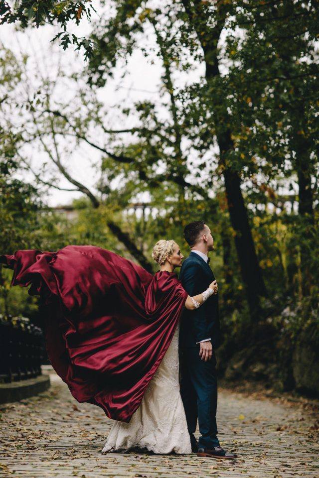 the-bride-in-a-the-red-cape-21