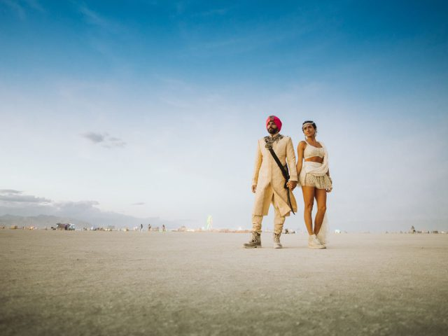 indian-wedding-at-burning-man-26