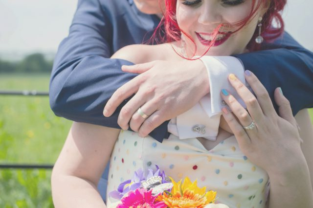 intimate-and-colourful-wedding-with-seven-guests-20