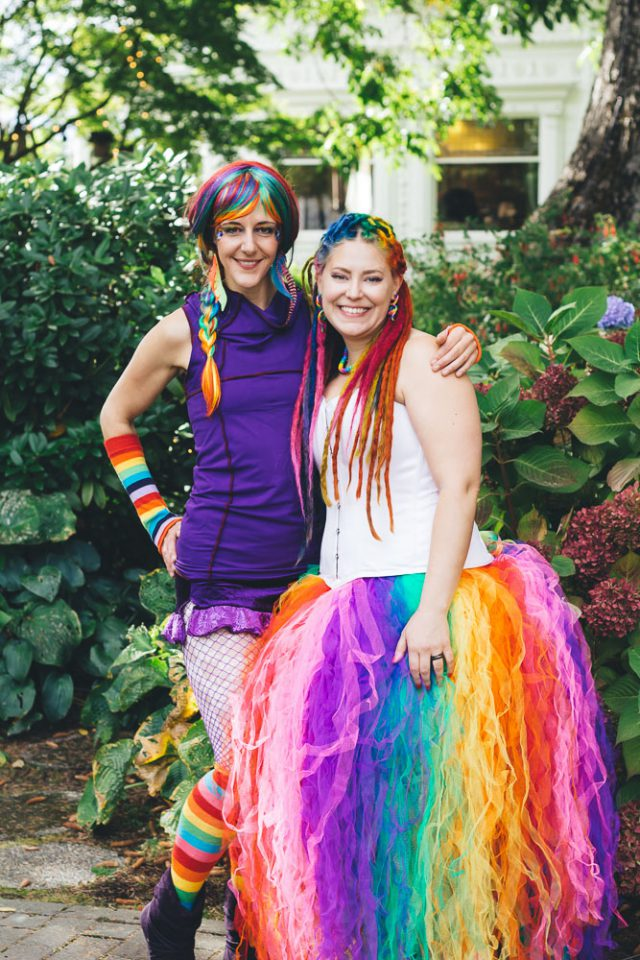 Rainbow dreadlocks a rainbow wedding dress fire breathers hula rainbow weddingportland oregon wedding photogrpahy sentiero photography 48 junglespirit