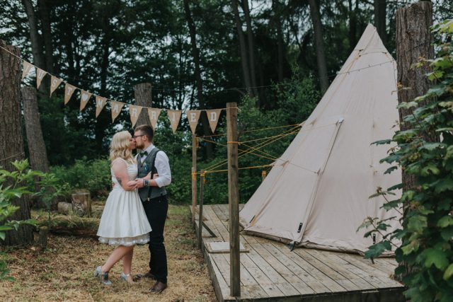 laid-back-festival-inspired-diy-wedding-56