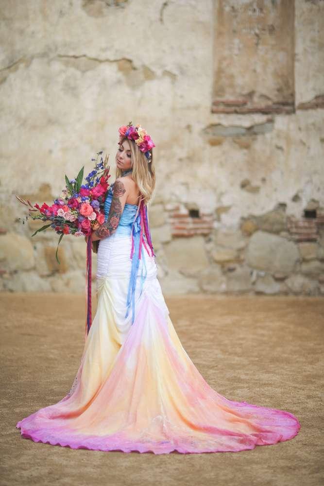 Dia de los muertos inspired painted wedding dress rock n for Rock n roll wedding dress