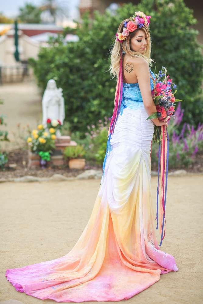 Dia De Los Muertos Inspired Painted Wedding Dresss Christinasanchez Rock N Roll Bride 14