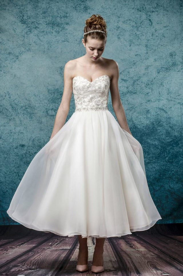 Win a Made-to-Measure Wedding Dress from Leis Atelier! (12)