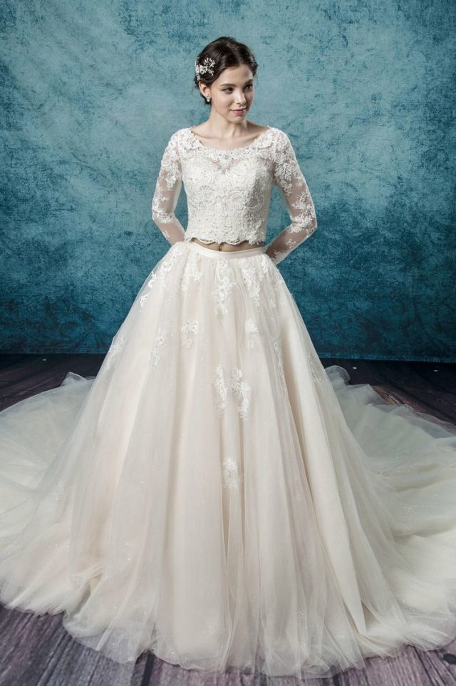 Win a Made-to-Measure Wedding Dress from Leis Atelier! (13)