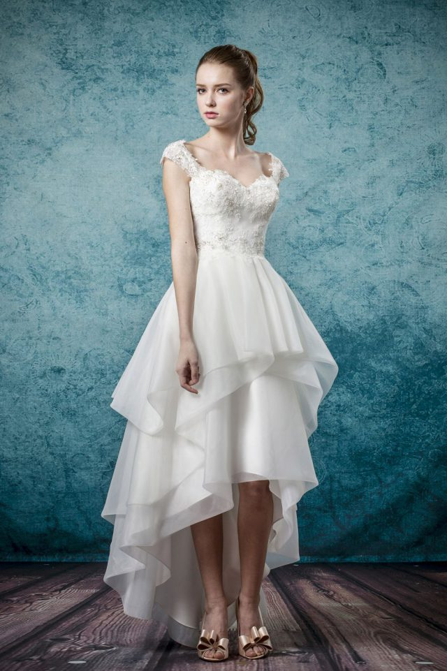 Win a Made-to-Measure Wedding Dress from Leis Atelier! (5)