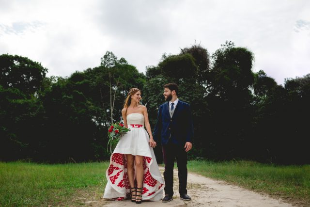 Music and Art Inspired Brazilian Wedding with a Flash Mob! (17)