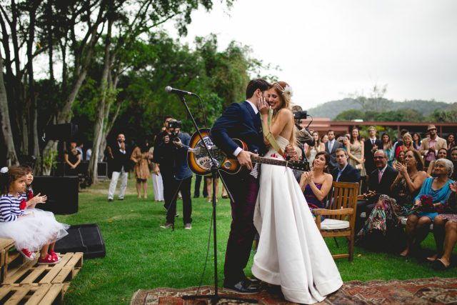 Music and Art Inspired Brazilian Wedding with a Flash Mob! (56)