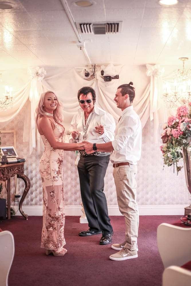 Sparkly Shotgun Wedding In Las Vegas 20
