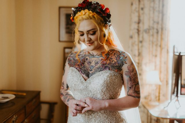Festive scottish wedding inspired by christmas markets rock n roll the inspiration for the wedding was the atmosphere of a christmas market we wanted christmas but without it involving the snowmen or santa solutioingenieria Images