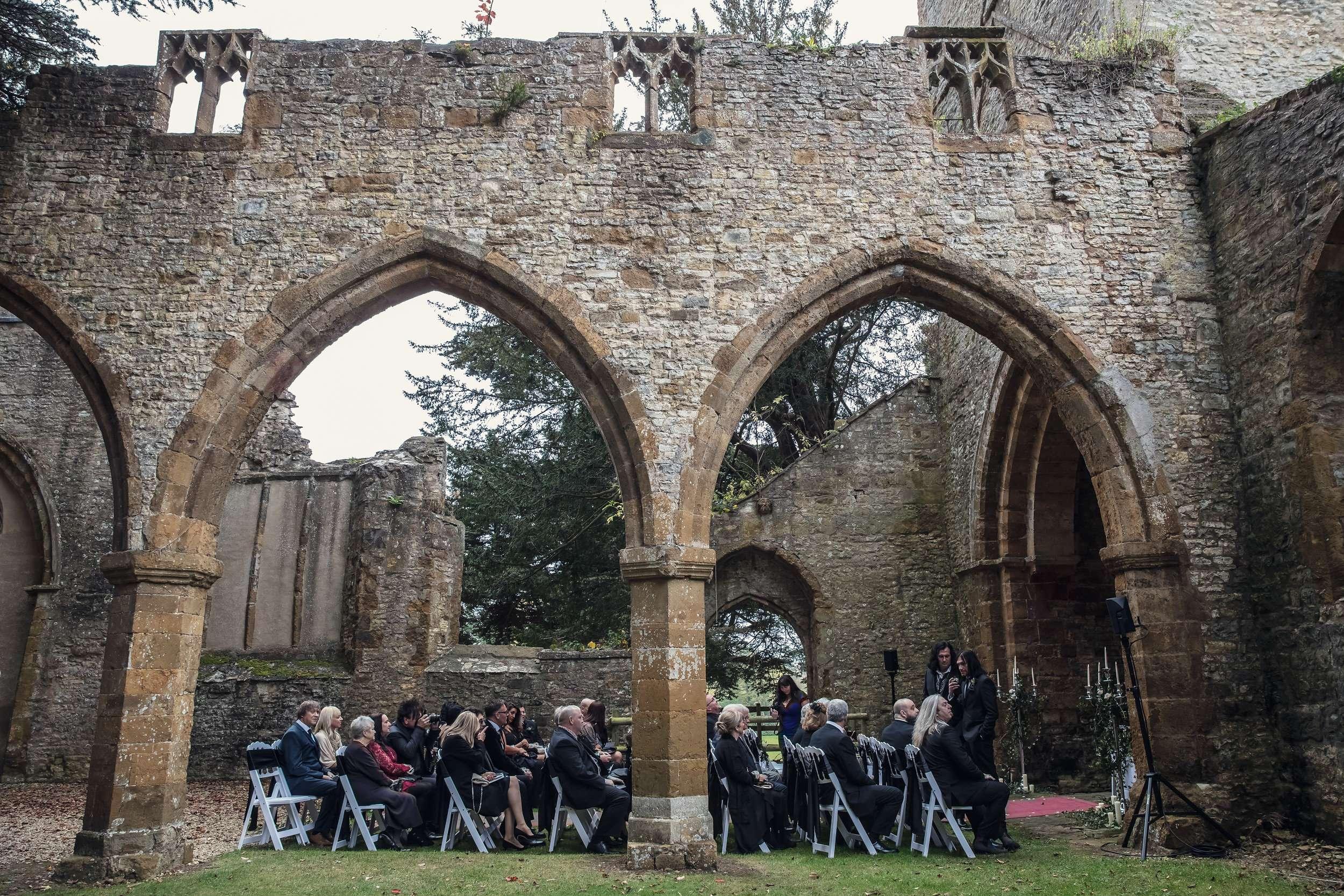Gothic Castle Ruins Wedding 183 Rock N Roll Bride