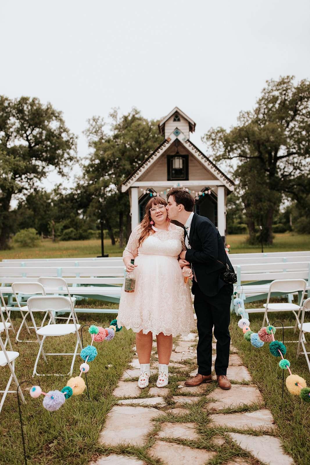 Pom Pom Themed DIY Texas Ranch Wedding · Rock n Roll Bride